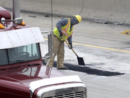 021618-tm-Potholes015
