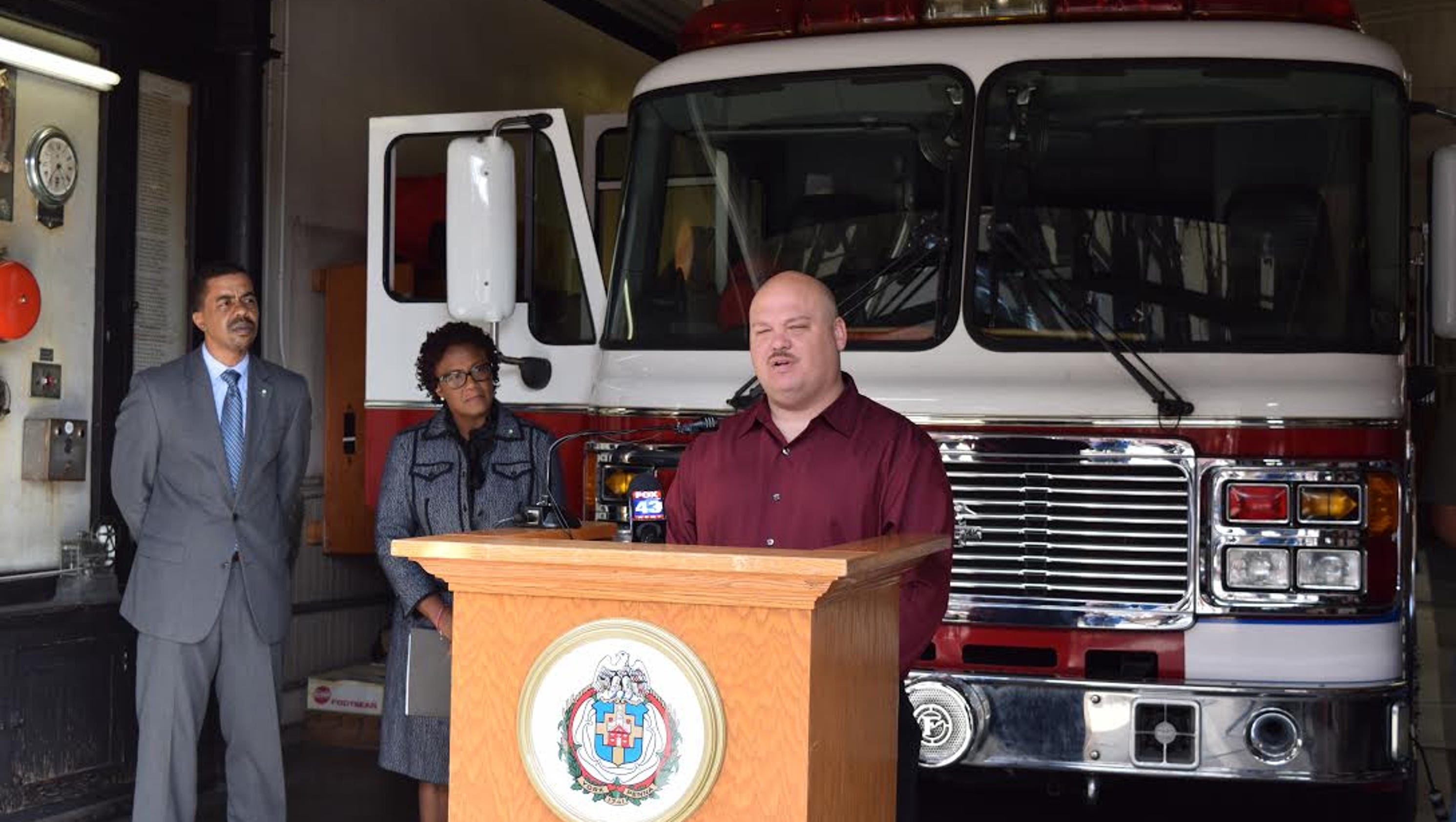 York City, firefighters strike deal on five-year contract