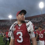 NFL players congratulate Carson Palmer after he retires