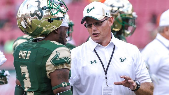South Florida defensive coordinator Tom Allen talks with Jamie Byrd at during against Florida A&M on Sept. 5, 2015.