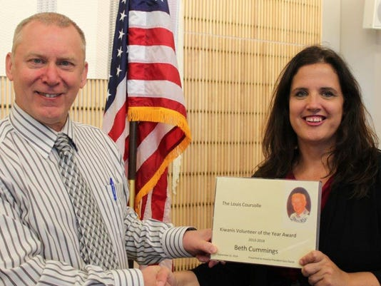 Ganje Cummings-Volunteer award.jpg