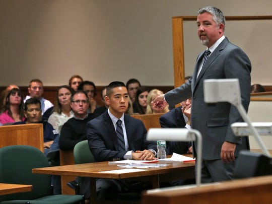 James Nobles, right, delivers his closing argument in the trial of Charles Tan.