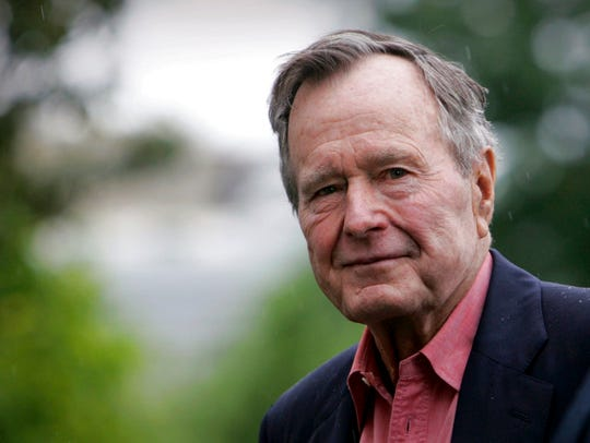 Former President George H.W. Bush arrives on the South