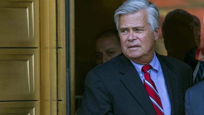 Senate Majority Leader Dean Skelos leaves federal court in New York last year.