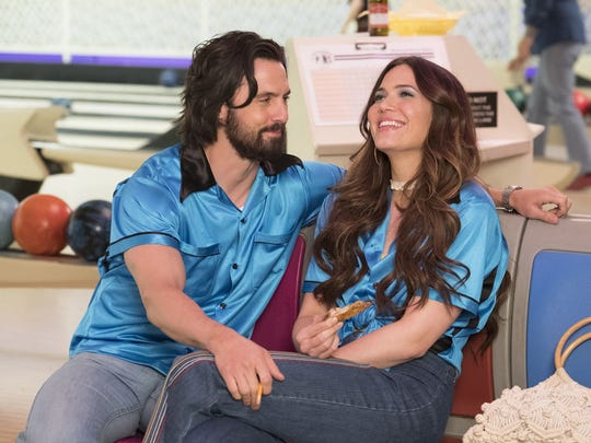 Jack (Milo Ventimiglia) and Rebecca (Mandy Moore) celebrate their first anniversary at a bowling alley in 'This Is Us.'