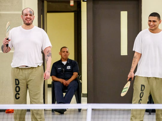 Inmates Ryan Ratliff (left) and Alberto Manzo of Chicago