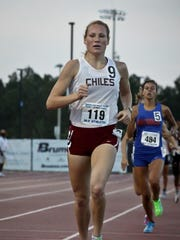 Former Chiles runner Lily Williams sprints to the finish.