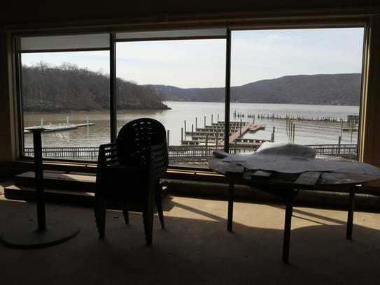 A view of the Hudson River and is seen through the