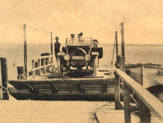 Ferry coming into dock, 1910s .
