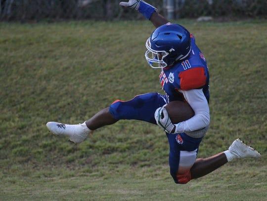 Jefferson County receiver Da'shon Davis catches a pass