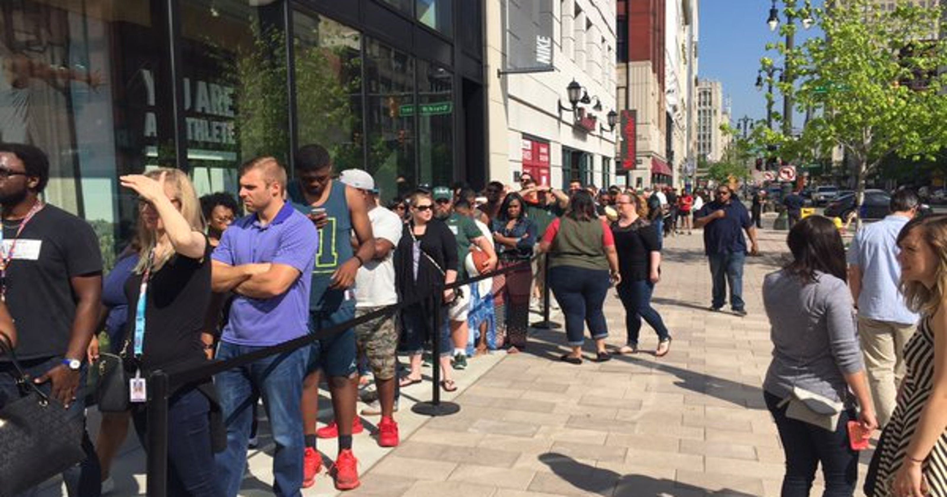 Crowds cheer new Detroit Nike store as community win 512682ce82