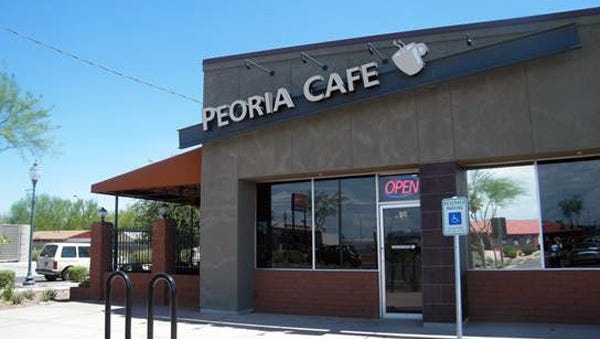 Once catering to cotton farmers, the Peoria Caf? still serves hearty food to the faithful who sometimes have to line up to get a table. ThatÕs thanks to a family that instills the restaurant business with the same values they practice at home.
