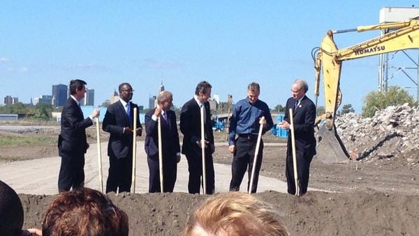 From left to right:  Erie County Executive Mark Poloncarz, Buffalo Mayor Byron Brown, Alain Kaloyeros, SolarCity CEO and CoFounder Lyndon Rive and Howard Zemsky