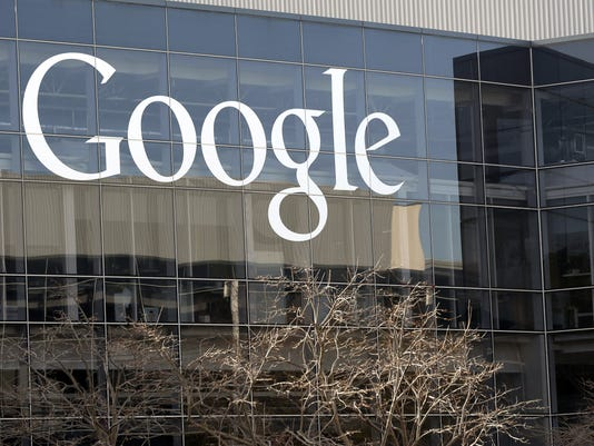 Protesters vandalize Google bus, block Apple shuttle