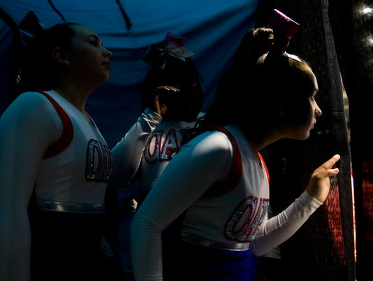 LEDE_1022_CHEERLEADING 01