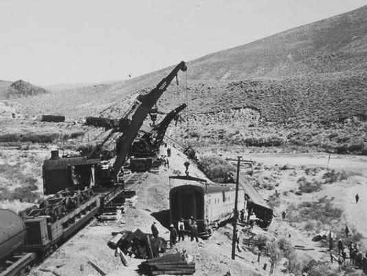 Train wreck 1939.jpg