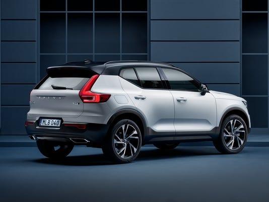 636442084499255038-213119-New-Volvo-XC40-exterior.jpg