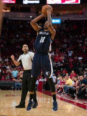Memphis Grizzlies forward Troy Williams (10) makes
