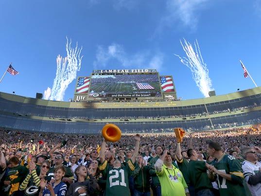 636140618076947963-APC-Packers-vs-Colts-1894-110616-wag.jpg