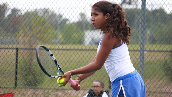 Holmdel's Brianna Gibbs won the 2014 MCT third singles championship.