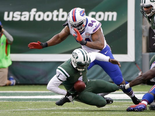 Bills Jets Football (3)