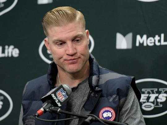New York Jets quarterback Josh McCown talks to reporters after an NFL football game against the Carolina Panthers, Sunday, Nov. 26, 2017, in East Rutherford, N.J. The Panthers won 35-27. (AP Photo/Bill Kostroun) ORG XMIT: ERU13