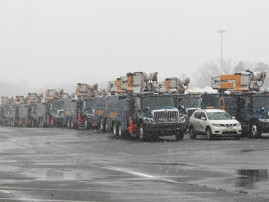 636572411473249311-Hydro-Quebec-Trucks-at-JCP-L-Staging-Site-March-21-jpg-1.jpg