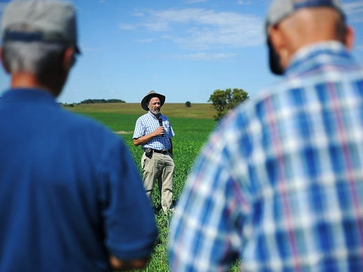 Farmers healthy soil means cleaner water for Soil tour dates 2015