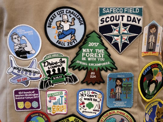 Girl Scouts vs Boy Scouts