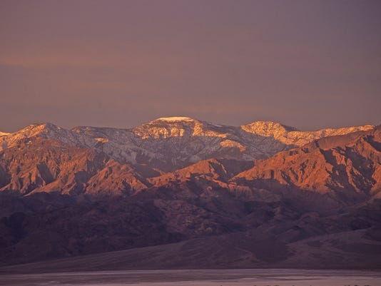 Daybreak-in-Death-Valley