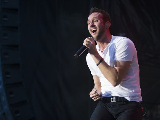 Drew Baldridge and his band perform at Country Thunder