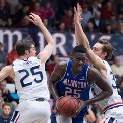 UT Arlington makes program history with upset of unbeaten St. Mary's