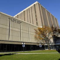 WSU chief, union at odds on tougher prof reviews