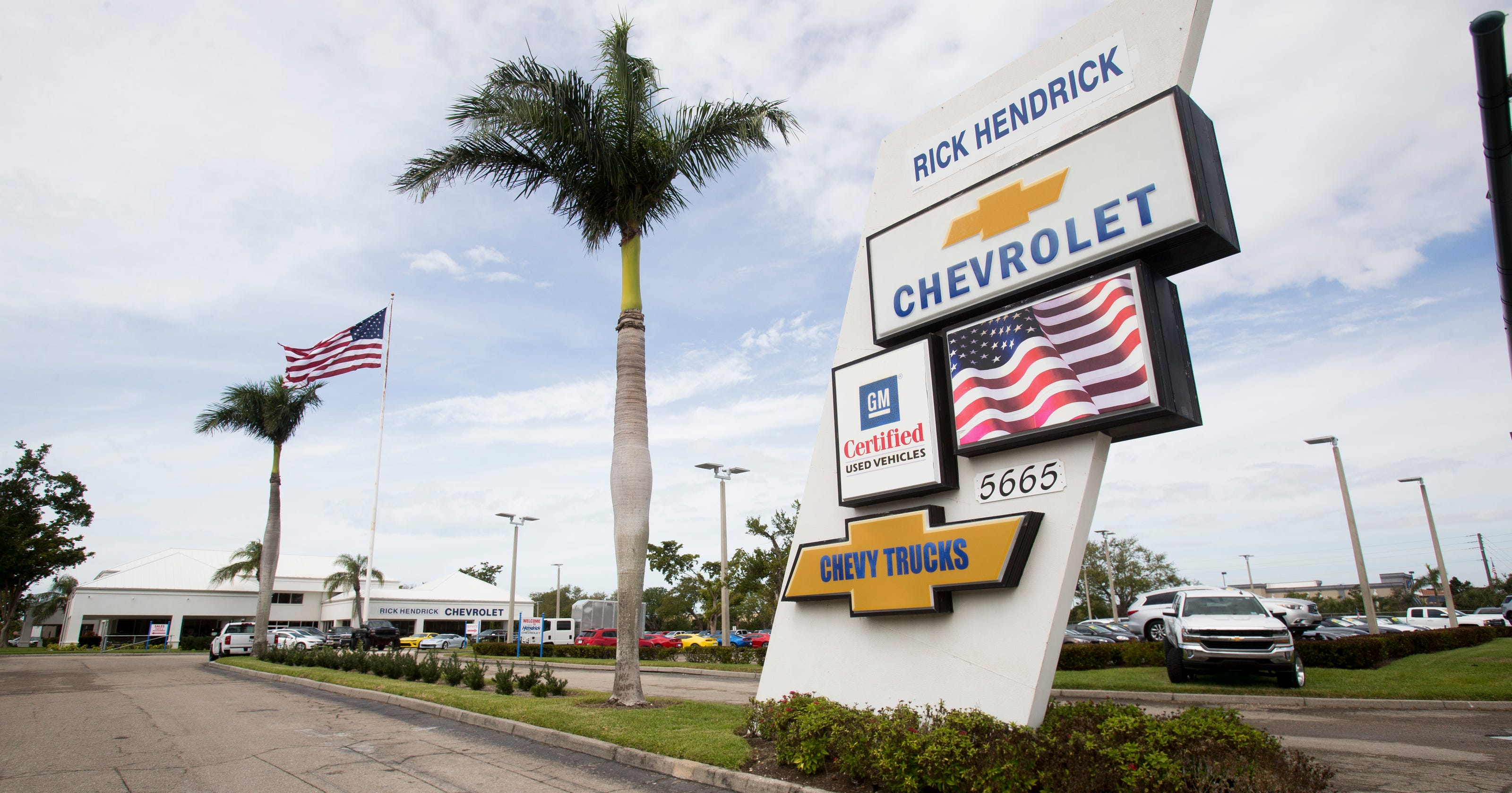 Rick Hendricks Chevrolet >> Ex Sales Associates For Naples Chevy Dealership Sue Over