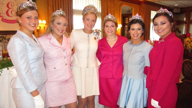 Annie LaPrairie, Caroline Cryer, Katie Blanchet, Olivia Lerille, Hannah Guidroz and Alyssa Craton.