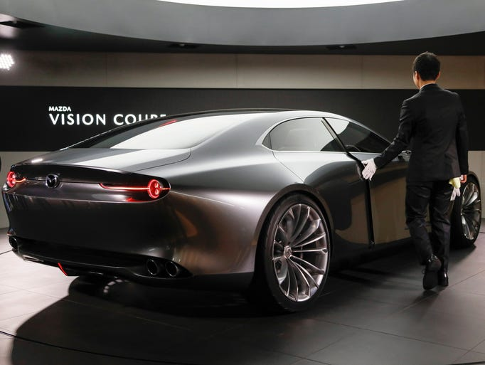 Tokyo Motor Show Pushes The High Tech Envelope