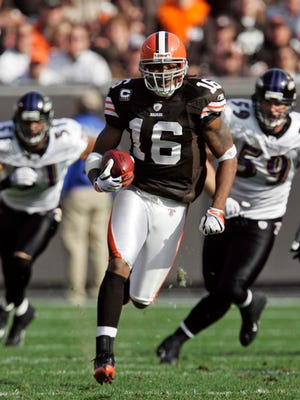 Josh Cribbs, shown here playing with Cleveland, expects to provide a boost to the Colts' return game.