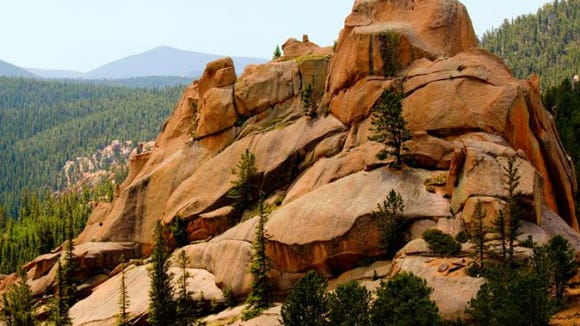 Scenic views of unusual rock formations and the Catamounts on Pikes Peak Colorado in the summertime. (Photo: Getty Images)