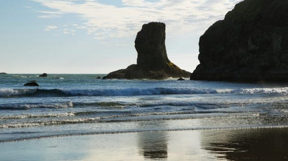 View of rocks in the ocean from Second Beach in Olympic peninsula, USA. (Photo: Getty Images)