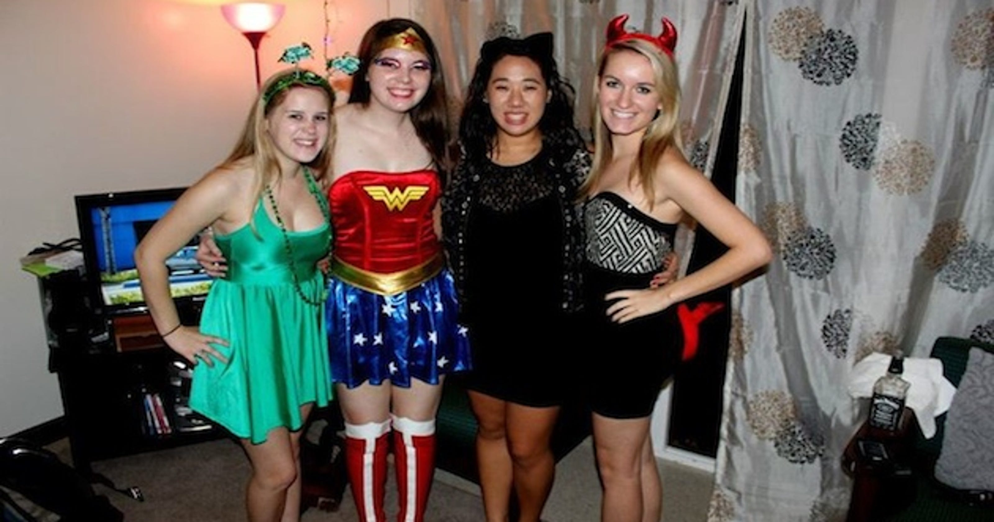 Imgenes de easy halloween costumes for college students 11 cheap diy halloween costume ideas for college students solutioingenieria Gallery