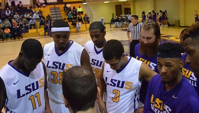 LSUS coach Kyle Blankenship talks with his team during a timeout last season. The Pilots tip off the season Saturday at 2 p.m. at The Dock