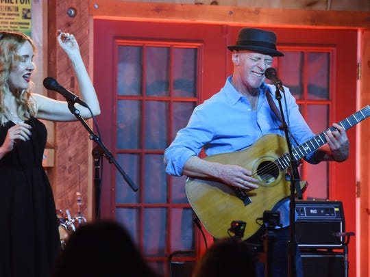 Willy Porter, right, and Carmen Nickerson, right, perform at Daryl's House in Pawling.