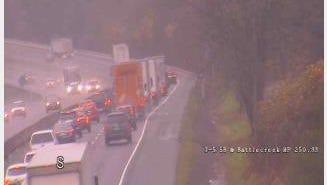 A crash is backing up traffic on southbound I-5 in Salem.