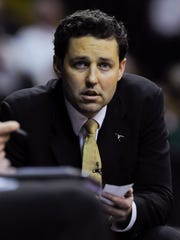 Vanderbilt head coach Bryce Drew coaches his team to a 80-66 victory over Belmont during the second half at Memorial Gym on Nov. 15, 2016.