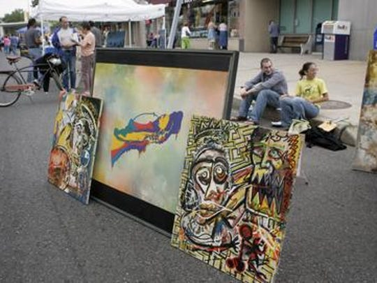 The Arts in the Park street festival, jart sale, and