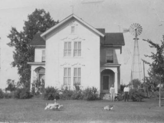 The Straight Farmhouse is on Merriman Road in Garden