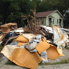 There is a huge and smelly problem that has been upsetting some neighbors on the 3300 block of Pine Street in South Dallas. Neighbors say a large pile of illegally-dumped garbage has been neglected for months, and they want it removed.