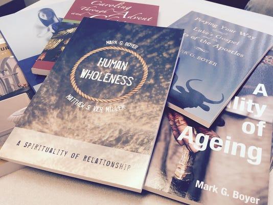 635828374365635978-Books