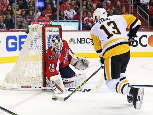 USP NHL: PITTSBURGH PENGUINS AT WASHINGTON CAPITAL S HKN USA DC