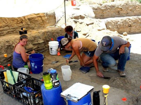 San Juan College students excavate the great kiva on